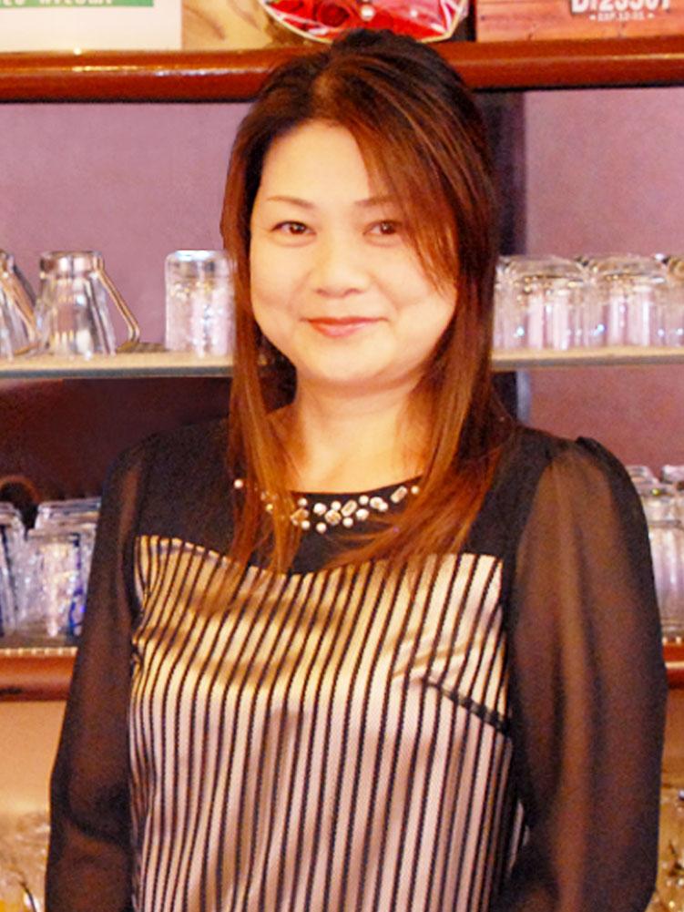 ママ ひとみ(49)